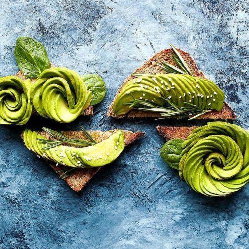 Avocado Rose Toasts w/ Spinach & Fresh Rosemary
