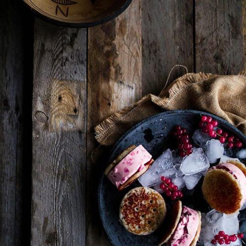 HAUSA MASA RICE CAKES & RED CURRANT ICE CREAM SANDWICHES
