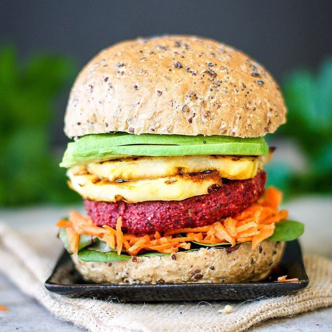 Spiced Beetroot Burgers by @healthyeating_jo (Makes 6) 250g cooked Beetroot 80g grated zucchini (liquid squeezed out) 1 cup quick oats 1 shallot sliced 1 tsp cumin powder* 1/2 tsp ground coriander* 1/4 tsp chili flakes (to taste)* 1 tsp mustard powder or wholegrain mustard* 2 tsp cashew or almond meal (for a creamier consistency) 1/4 cup sunflower seeds (optional for crunch) A handful of fresh parsley and coriander chopped Salt & pepper to taste Blend the Beetroot until as smooth as possible, add the remaining ingredients and blend again, adding the oats until it forms a consistency to make into patties. Divide into 6 and form into patties Put in the fridge to set for 30 minutes if possible Cook in a frypan with a little coconut oil for 2-3 minutes each side. Freeze remaining patties for later use. *change the spices to suit your own preferences.